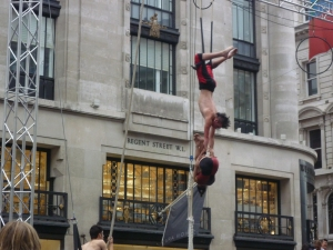 Circus in London Streets - Wow