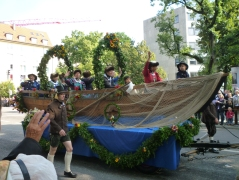 A Londoner from Afar Goes to Munich1 - Oktoberfest Parade2